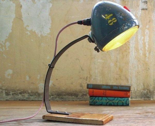 Mejores ideas para hacer lamparas caseras con materiales reciclados lampara con faro coche