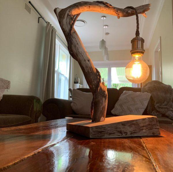 Mejores ideas para hacer lamparas caseras con materiales reciclados lampara con una rama