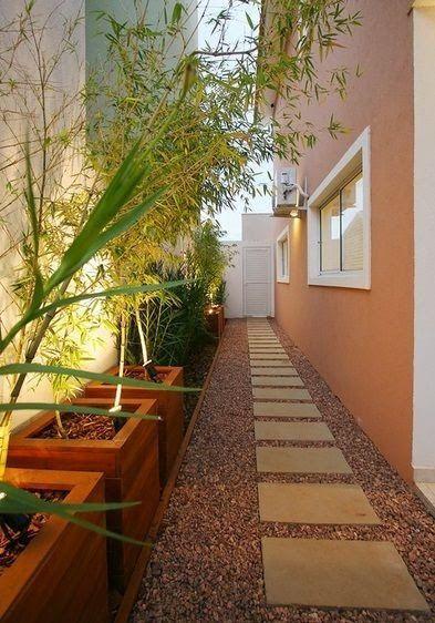 Como decorar pasillo patio baldosa grava