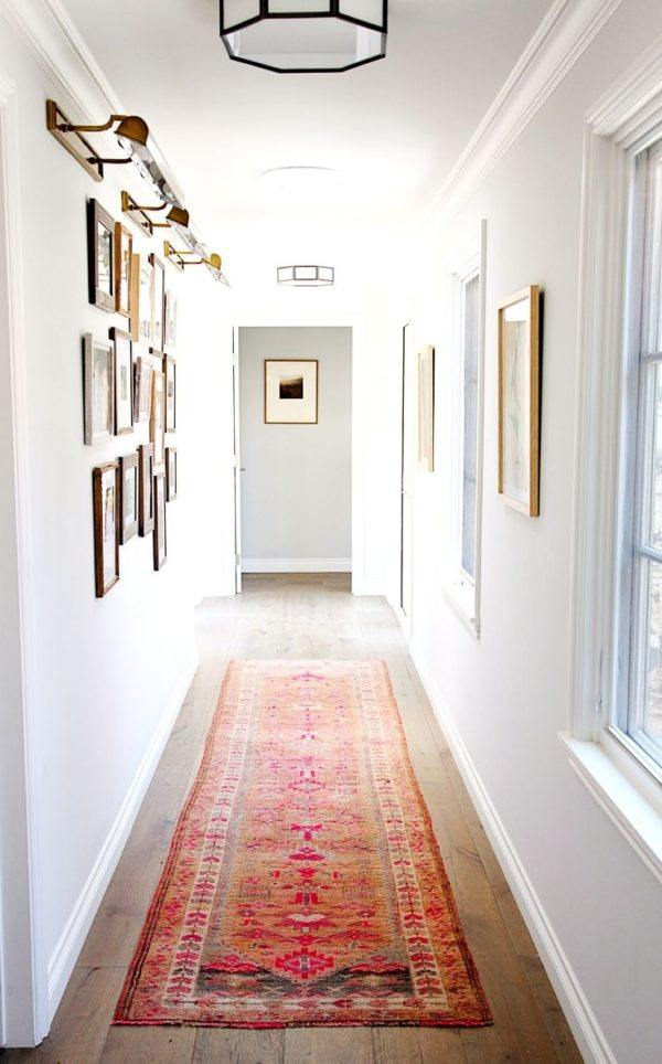 Como decorar un pasillo estrecho alfombra colores cuadros