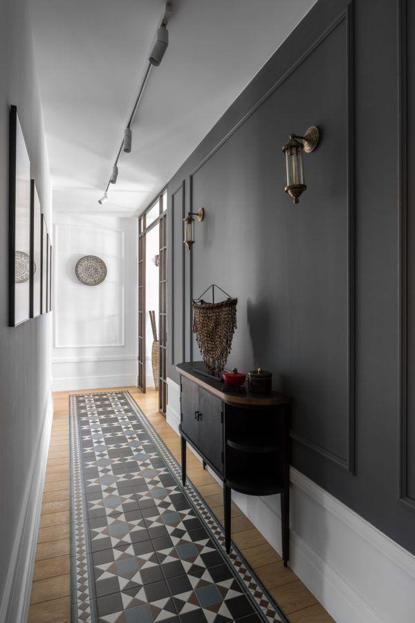 Como decorar un pasillo estrecho negro
