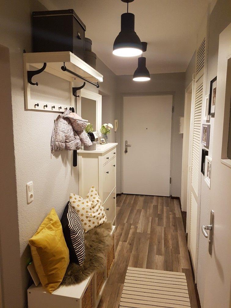 Como decorar un pasillo estrecho suelo madera lamparas
