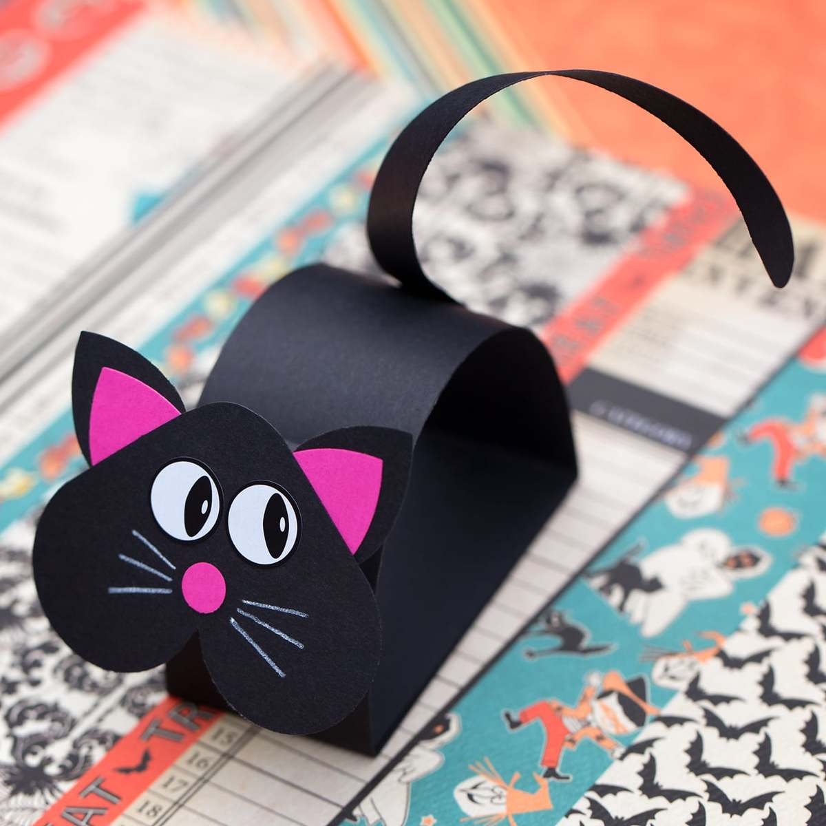 Mejores manualidades dia internacional gato gato cartulina negra
