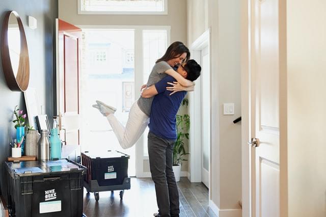 Cómo organizar una mudanza rápida y sencilla paso a paso felicidad casa nueva