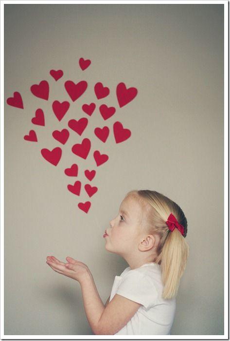 Los mejores regalos para el Día de la Madre con cartulinas besitos de corazones
