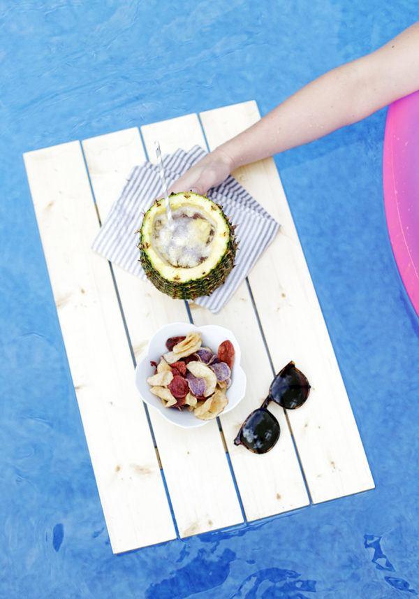 Las mejores ideas para hacer tus accesorios de piscina FOTOS bandeja flotante madera