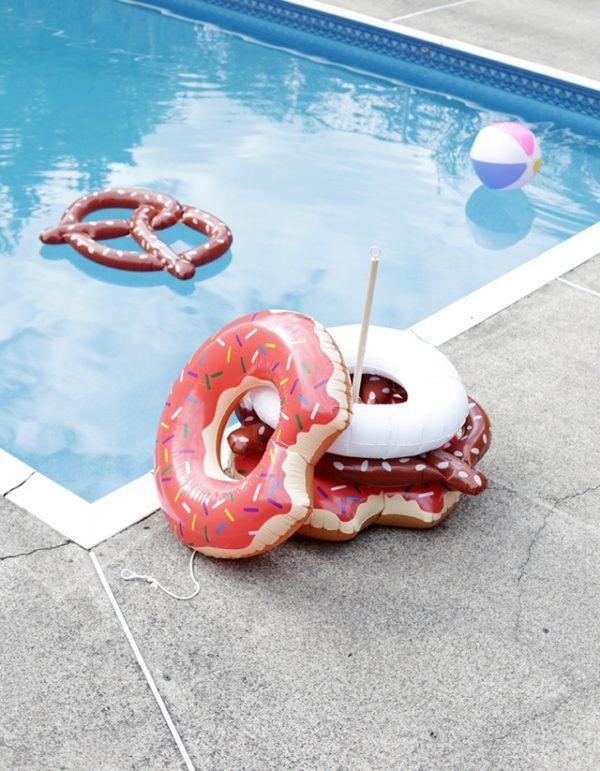 Las mejores ideas para hacer tus accesorios de piscina FOTOS soporte flotadores