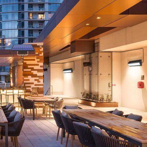 Las mejores formas ideas para iluminar tu terraza sin contaminar apliques solares con panel remoto