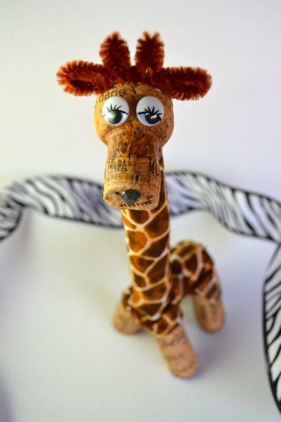 Ideas y consejos para hacer animales con corchos para niños jirafa alta