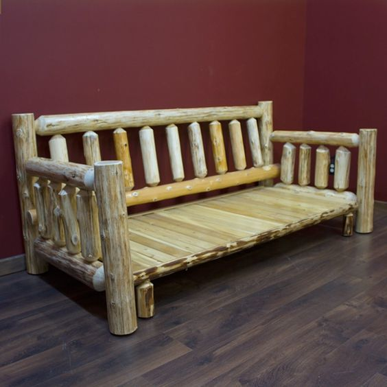 Las mejores ideas y consejos para decorar tu casa sin mucho dinero sofá madera