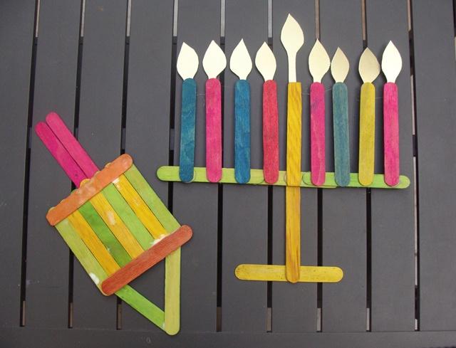 Ideas de manualidades para niños para el día de Hanukkah velas palos