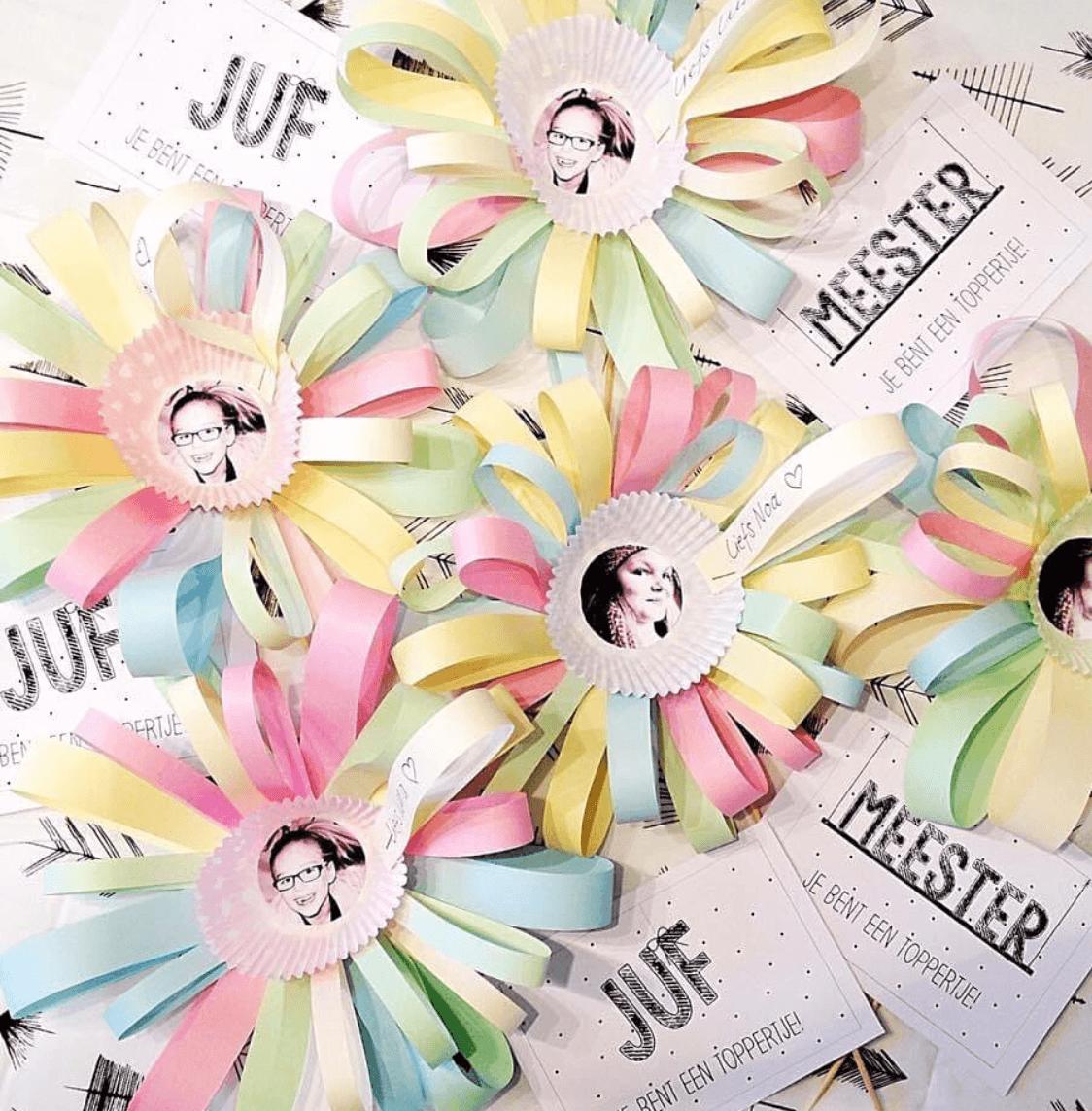 Las mejores ideas para hacer un regalo personalizado con papel para tu pareja flores de colores